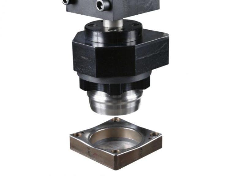 Conformação Procedimentos Especiais. Sempre que for necessário conformar chapas de alumínio, chapas de aço ou plásticos, você achará a solução Tünkers.